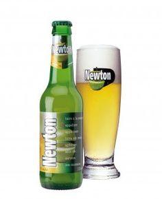 Newton / Sinds 1998 combineren de vaklui van Brouwerij Lefebvre op meesterlijke wijze witbier en appelsap. Newton wordt gekenmerkt door een enigszins troebele, witgele body en een compacte en genereuze schuimkraag. De geur van groene appels werd voorzien van een subtiele vanilletoets. De smaak is smeuïg en lichtjes gesuikerd. De smaak van het witbier is duidelijk aanwezig maar ondergeschikt aan die van de groene appels, waardoor het geheel een frisse toets krijgt die zeldzaam is voor een…