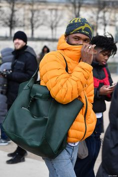 Frank Ocean Flaunts an Unlikely Front Row Accessory at the Louis Vuitton Show in Paris Frank Ocean, Pharrell Williams, Fendi, Celine Bag, Paris Shows, Dye T Shirt, Leather Design, Front Row, Style Icons