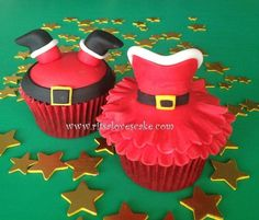 Santa and Mrs Claus - Cake by Ritsa Demetriadou - For all your Christmas cake decorating supplies, please visit http://www.craftcompany.co.uk/occasions/christmas.html