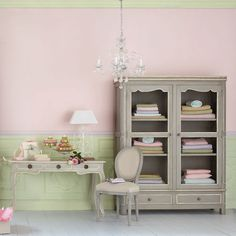 oh so pretty.... love the stone colour combined with the pastel lime and pink. And of course topped off with a gorgeous chandelier