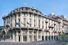 Milan City, Milan Hotel, Close Proximity, 4 Star Hotels, Front Desk, Car Parking, Beautiful Gardens, Street View, Italy