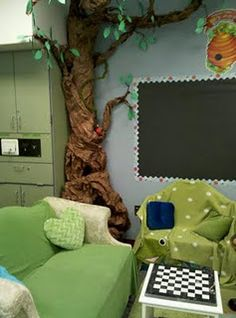 classroom tree, with more leaves & a 3D honey hive. hang bees from ceiling and ladybugs crawling on tree @Monica Gonzalez Sevilla