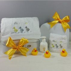 3 little Ducks Neutral Baby Bath Set Baby Gift Hampers, Baby Hamper, Baby Shower Gifts, Baby Gifts, After Bath, Little Duck, Milk Bath, Corporate Gifts, Bath Towels