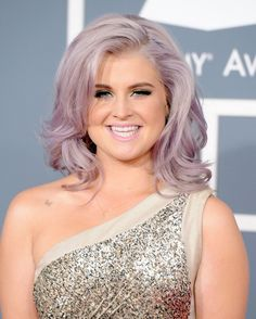 Normally could not care less about Kelly Osbourne, but loving the LAVENDAR hair & day shine... <3