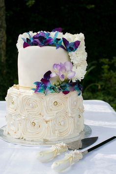 Intimate Orchid Wedding: cake   SouthBound Bride   http://www.southboundbride.com/intimate-orchid-inspired-dullstroom-wedding-by-jack-and-jane-cindy-carsten   Credit: Jack & Jane Photography