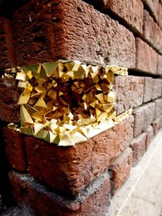 geode-brick-wall-300