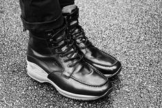 #scarpe_con_rialzo #scarpe_rialzate #sneakers_rialzate #sneakers_con_rialzo Dr. Martens, Combat Boots, Shoes, Fashion, Moda, Zapatos, Shoes Outlet, Fashion Styles, Shoe