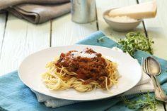 Spagetti bolognese Bolognese, Spaghetti, Pasta, Ethnic Recipes, Food, Essen, Meals, Yemek, Noodle
