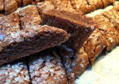Mormors svenske chokoladedrømme… – Cute Like A Cupcake! Christmas Recipes For Kids, Christmas Baking, Cookie Recipes, Dessert Recipes, Desserts, Danish Food, Yummy Eats, No Bake Cake, Desert Recipes