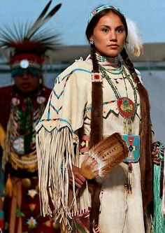 Shop styles for women, men and kids. Native American Dress, Native American Pictures, Native American Beauty, American Indian Art, Native American History, American Indians, Princesa India, Style Indien, Indian People