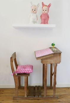 vintage design for childs room, pink desk and chair #wood
