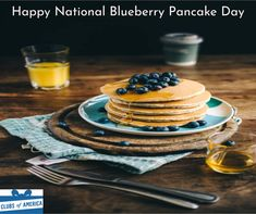 Do you love pancakes? If you want to stay healthy and enjoy your favorite pancakes check out this healthy recipe! These pancakes are perfect for weight loss! Blueberry Pancakes, Breakfast Pancakes, Breakfast Recipes, Breakfast Ideas, Breakfast Restaurants, Breakfast Cereal, Breakfast Healthy, Breakfast Smoothies, Slow Food