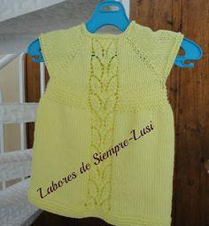 Hoy os presento un vestido de bebé con una cenefa calada en la zona central      Su nombre original es Leaf Love Dress,el patrón es de Tai...