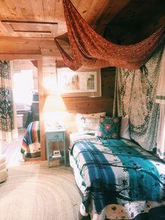 #cabin #rustic #boho #gyspy #tapestry #lotuseyeinteriors #design #wallhanging #bedspread