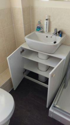 Remodeling Your Kitchen: Choosing Your Bathroom Cabinets Bathroom Sink Cabinets, Diy Bathroom, Small Bathroom Storage, Bathroom Organisation, Bathroom Layout, Bathroom Interior, Organization Ideas, Bathroom Ideas, Space Saving Bathroom