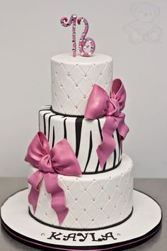 Dream Day Cakes specializes in baking custom decorated cakes and fondant specialty cakes from their cake bakery in Gainesville, Florida. Sweet Birthday Cake, Creative Birthday Cakes, Birthday Cake Girls, 16th Birthday, Sweet 16 Cakes, Bakery Cakes, Cake Gallery, Specialty Cakes, Girl Cakes