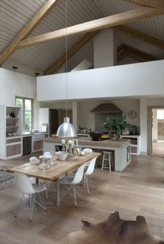 Intéressant design cuisine ouverture très claire lumière