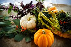 Under a Harvest Moon decor (photo by Studio Chyree Photography)