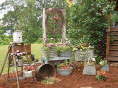 décoration jardin objets récup-pots-récipients-enciens