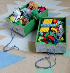toy box by Mundo de Sofia Kids Decor, Arts And Crafts, Gift Wrapping, Play, Gifts, The World, Scrappy Quilts, Hilarious, Paper Wrapping