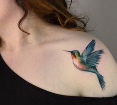 Hummingbird by Darwin Henrique