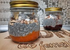 Budincă de chia cu dulceață Sweeteria Chia, Mason Jars, Cooking Recipes, Dna, Chef Recipes, Mason Jar, Recipies, Glass Jars