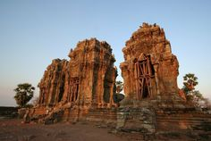 Phnom Krom hill is very rocky; local legend has it that the rocks were exposed by the monkey general Hanuman during a hunt for medicine in the Ramayana epic. The area beyond the temple's west gate affords a spectacular view of the Tonle Sap Lake.