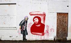 Fake Banksy graffiti with Cecilia's Ecce Homo. Stencilling Techniques, Banksy Mural, Street Art Banksy, Urbane Kunst, Jesus Painting, Bansky, Chalk Art, Street Artists, Public Art