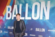 David Kross Photos - David Kross attends the 'Ballon' premiere at Zoo Palast on September 13, 2018 in Berlin, Germany. - 'Ballon' Premiere In Berlin Home Photo, Berlin Germany, September, David, Photos, Photographs
