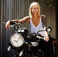 Repost from Triumph Россия and FB Motorbike Girl, Motorcycle Style, Motorcycle Outfit, Motorcycle Girls, Biker Style, Lady Biker, Biker Girl, Ducati Monster, Motard Sexy