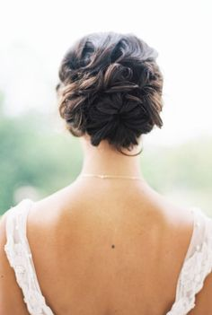 Wedding hairstyle idea; Featured Photographer: Taylor Lord Photography