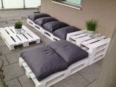 30 Ιδέες για να φτιάξετε τo δικό σας σαλόνι κήπου απο παλέτες!