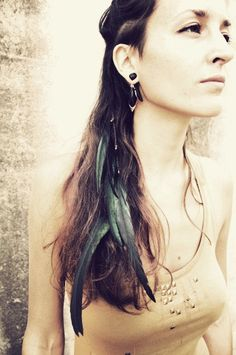 TRIBAL FEATHER HAIRCLIP green black rooster feathers by SiamicWear, €15.00