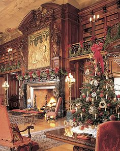 Candlelight evenings at the Biltmore Estate at Christmas time. Biltmore Christmas, Christmas Room, Noel Christmas, All Things Christmas, Winter Christmas, Vintage Christmas, Xmas, Christmas List 2016, Christmas Mantles