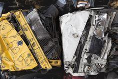 Carcasses de véhicules hors d'usage #VHU #recycling #recyclage http://www.paprec.com/fr/comprendre-recyclage-paprec/valorisation-matiere/recyclage-automobile