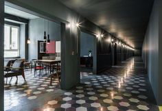 Atmospheres and interiors like in a 50s movie set: in via Tortona a new place to sleep, to think, to create and to share