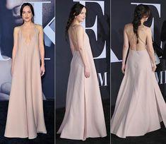 La actriz eligió este color para la 'première' de 'Cincuenta sombras más oscuras', pero son muchas las 'it-girls' que han lucido tonos neutros en las últimas semanas.