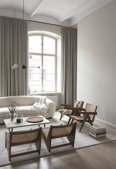 Home in a dark brown palette #MinimalistLivingRooms