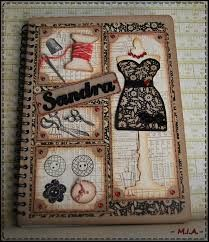 Libreta,love this idea great for any sewers, who has plenty of ideas to write down, make a great gift Homemade Recipe Books, Altered Composition Notebooks, Sewing Cards, Diy Notebook, Needle Book, Marianne Design, Scrapbook Embellishments, Vintage Crafts, Journal Covers
