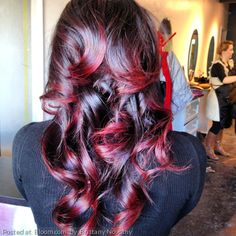 I love this, it looks like just the ends have color..wonder what it would look like straight?