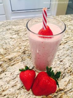 Strawberry banana smoothie recipe with fruit, peanut butter and yogurt. No additional sugar is added and it tastes so good!