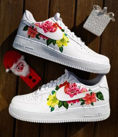 Custom sneakers Nike Air Force 1 ''Flowers'' by customizzato Nike Shoes Air Force, Nike Air Force Ones, Custom Painted Shoes, Custom Shoes, Nike Af1, Cute Sneakers, Sneakers Nike, Custom Air Force 1, Painted Sneakers