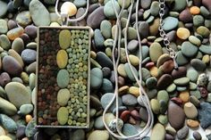 I really like the organic mosaics created by Etsy artist, Pretty Good. Each piece is created with multi-colored stones and pebbles from the beaches of New Zealand. Resin Jewlery, Resin Jewelry Making, Rock Jewelry, Stone Jewelry, Beaded Jewelry, Handmade Jewelry, Dainty Jewelry, Stones For Jewelry Making, Making Bracelets