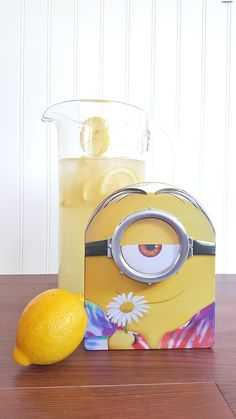 Have you ever tried banana lemonade? I'm so excited about the Minions movie release that I had to celebrate with this minion inspired beverage!