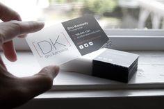 Um material diferente e simples é sempre uma boa opção.  segue uma seleção de cartões de visita transparentes e translúcidos.