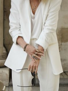 White Suit   Style.
