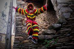 Em Macedo de Cavaleiros a tradição dos homens dos fatos coloridos resiste