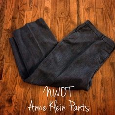 Anne Klein pants Women's Anne Klein suit pants. Size 22. Gray color and perfect condition. Looks great with blazer or sweater! ✨reasonable offers always accepted!✨ Anne Klein Pants