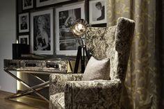 Nicht nur bequem, sondern auch ein richtiger Hingucker, dieser Sessel. Foto: FINE Chair, Furniture, Home Decor, Right Guy, Armchair, Colors, Homes, Decoration Home, Room Decor