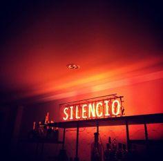 Le Silencio à Cannes http://www.vogue.fr/mode/experiences-digitales/diaporama/le-festival-de-cannes-sur-instagram-jour3-1/18785/image/1001206#!le-silencio-a-cannes-festival-de-cannes-2014
